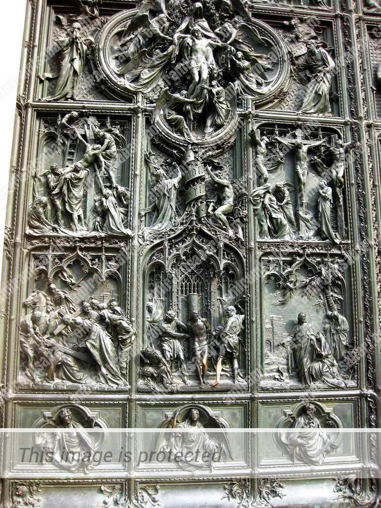 האדיקט של קונסטנטין המוצג על דלת הארד של אריגו מינרבי בקתדרלה של מילאנו