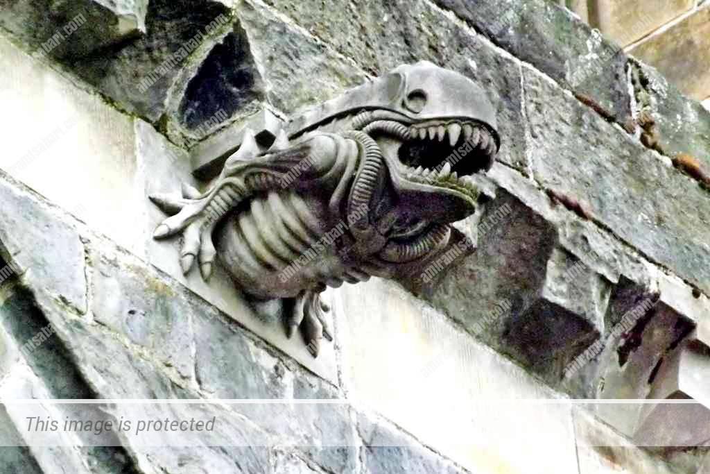 הנוסע השמיני גם על מנזר פייזלי בסקוטלנד. מקור ויקימדיה