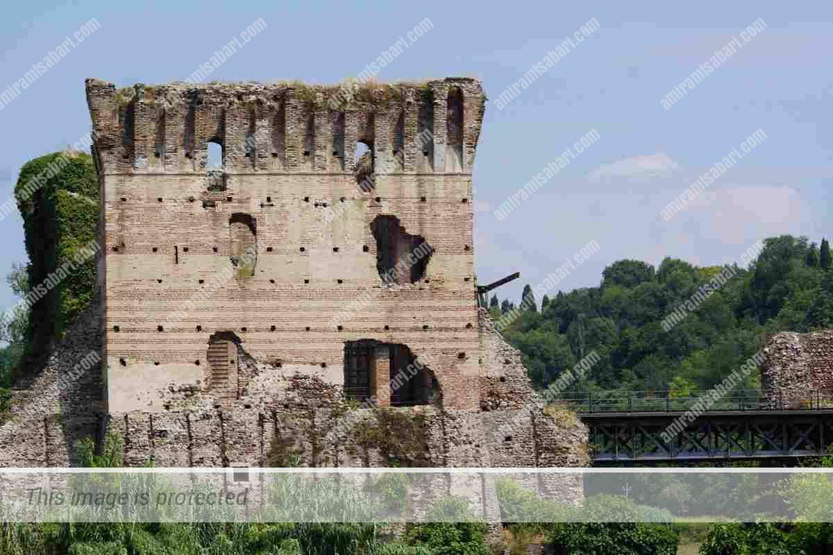 פונטה ויסקונטאו, נבנה כסכר והוסב למבצר הגנתי.