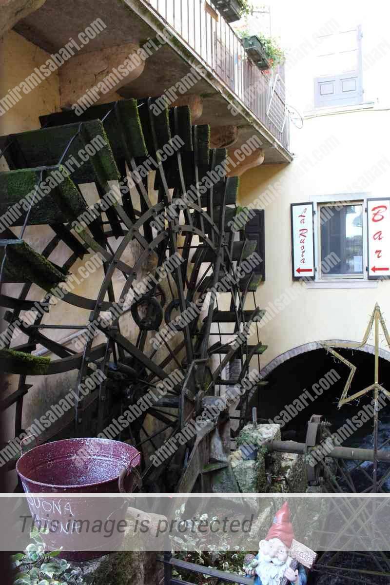 גלגל טחנת המים העתיק, בורגטו.