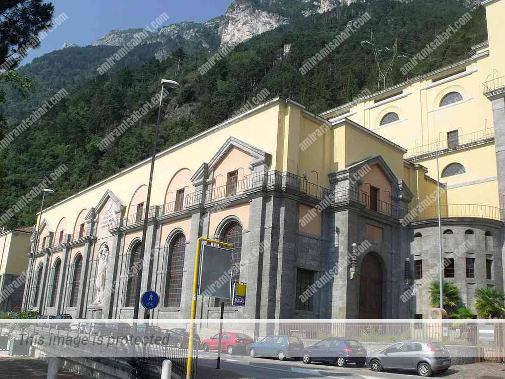 תחנת הכוח ההידרואלקטרית של ריבה דל גארדה.