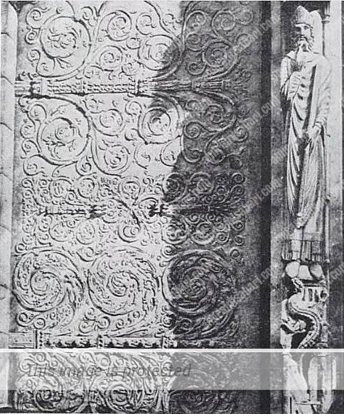 עבודת הפרזול של ביסקורנה על דלתות הקתדרלה תמונה משנת 1856.
