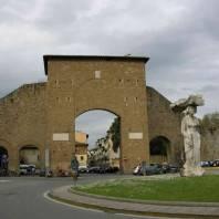 פירנצה: פורטה רומאנה מפגש של עבר ועתיד